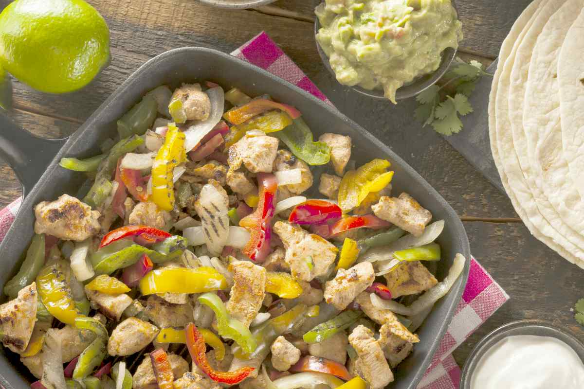 homemade chicken fajitas | Great Low Cholesterol Recipes You Can Enjoy At Any Age | low cholesterol chicken recipes