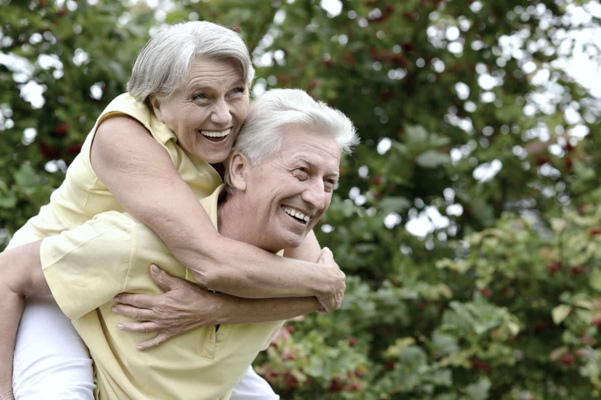 happy elder couple | Quinoa: 6 Benefits And How To Cook Quinoa In Minutes | cooking quinoa