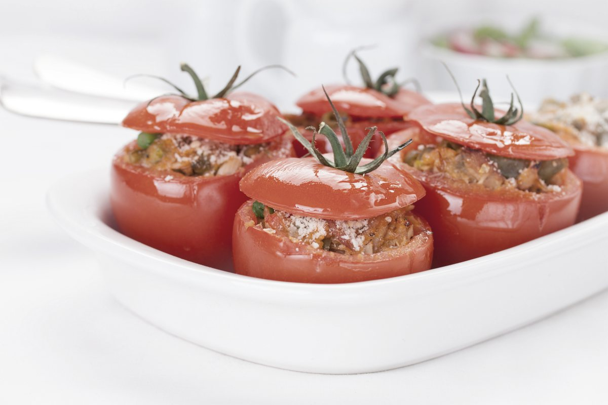 tuna stuffed tomatoes | Great Low Cholesterol Recipes You Can Enjoy At Any Age | low cholesterol dinner recipes